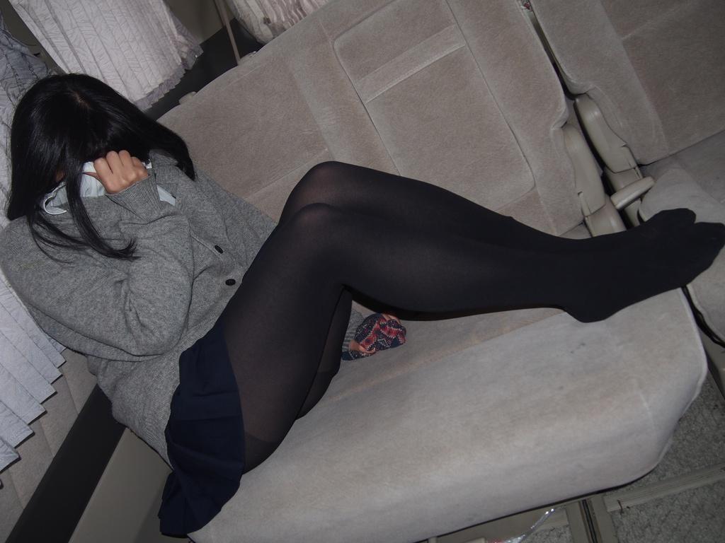 超可愛い娘の制服と黒タイツ!