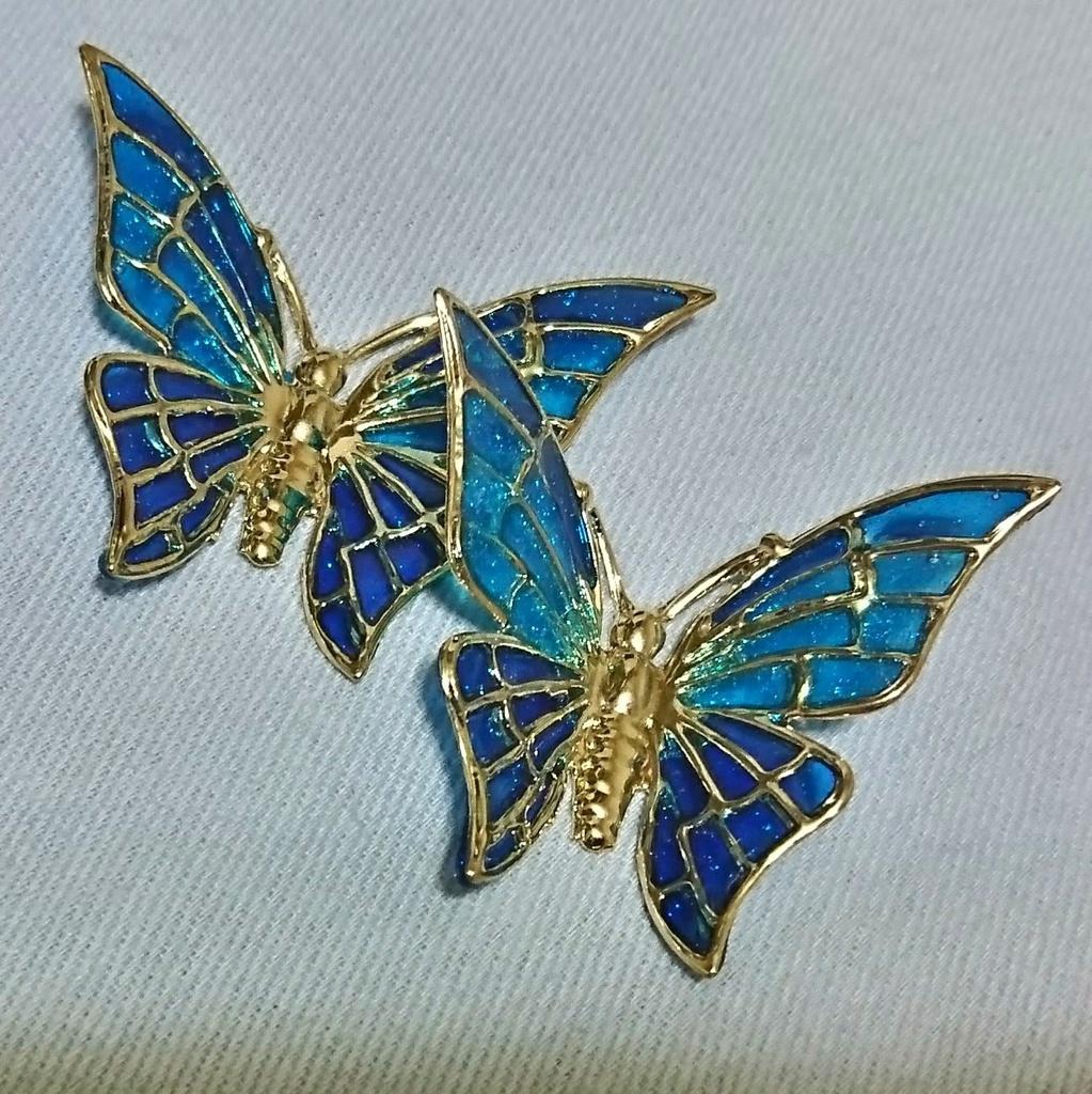 青い蝶のピアス・ノンホールピアス