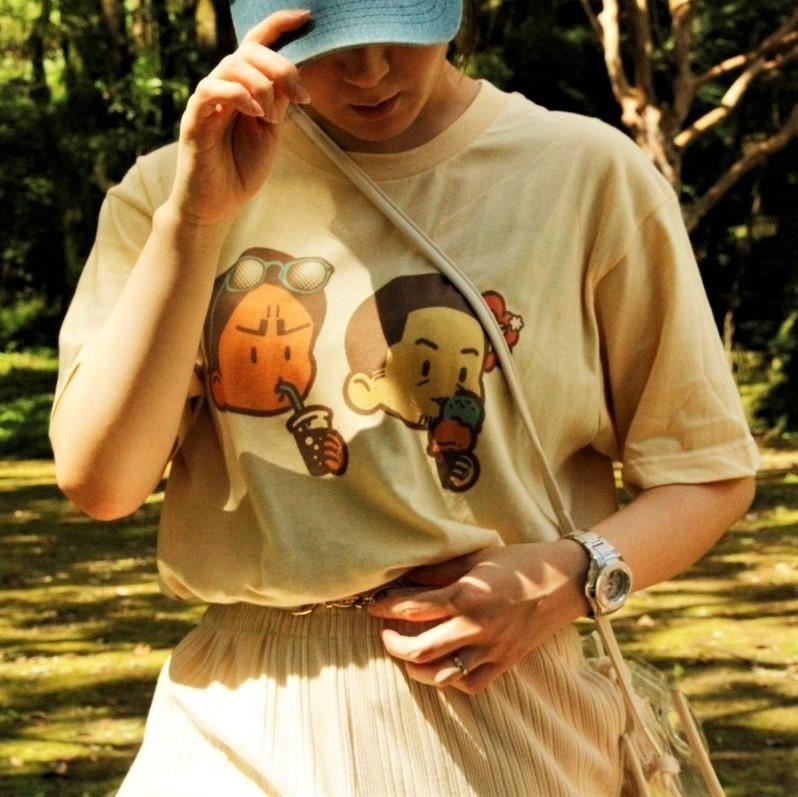 FUFU T - 鯉月イメージ Tシャツ