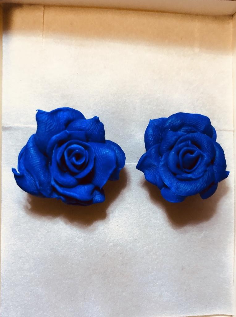 青薔薇ピアス