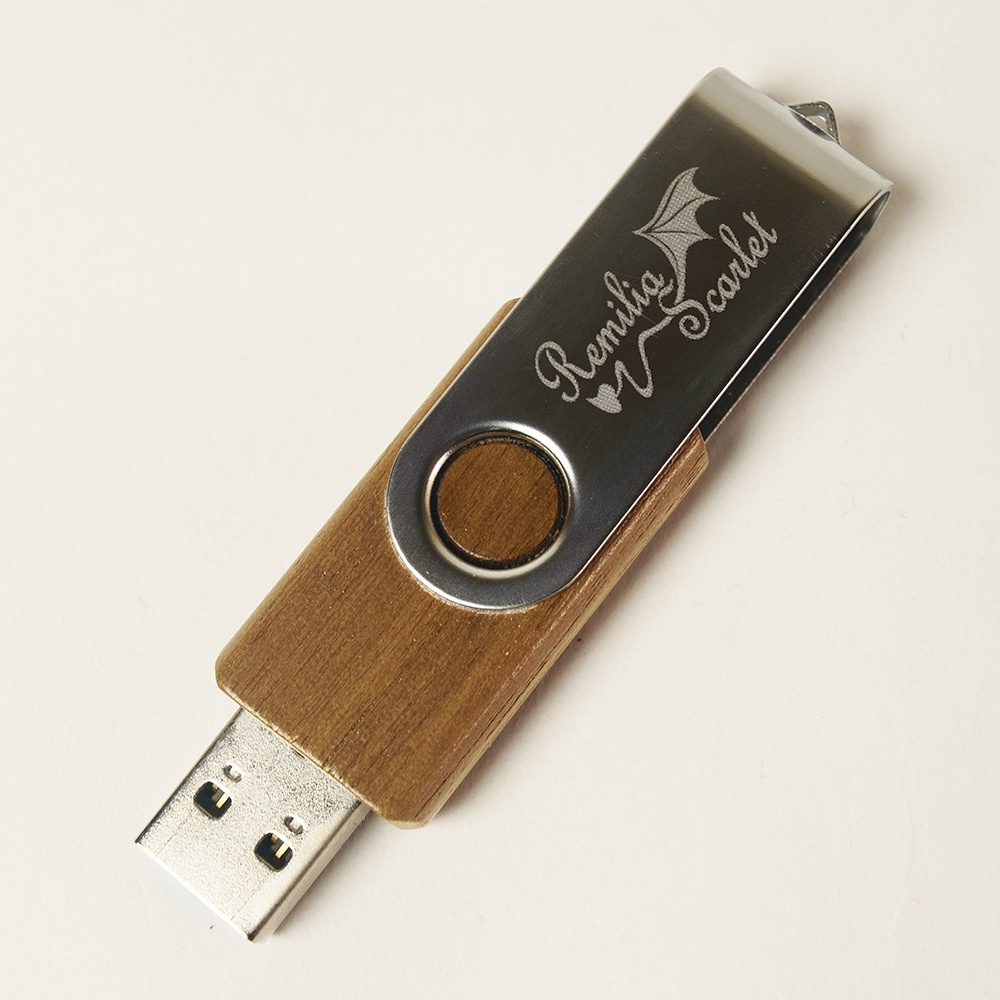 USBメモリ「レミリア」