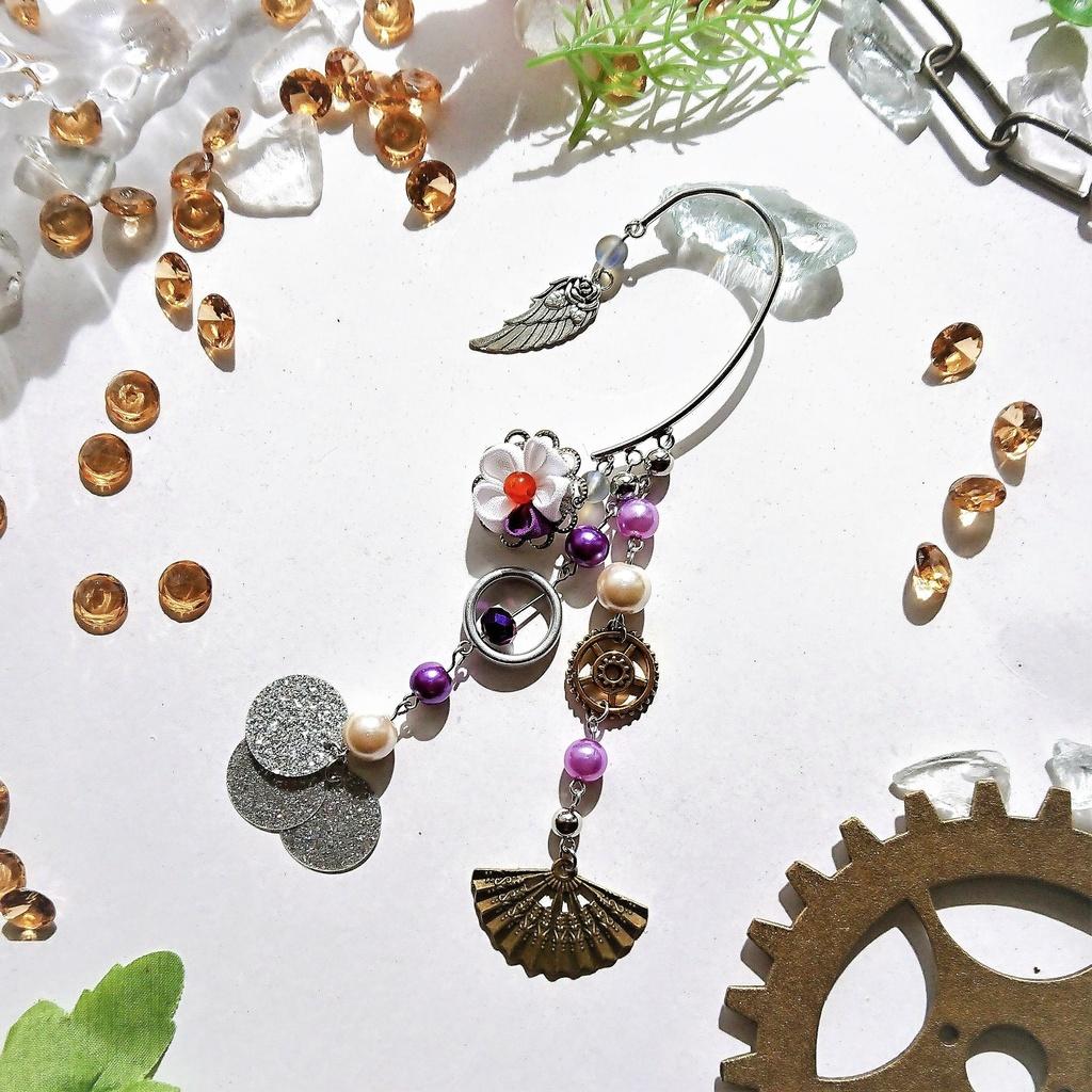 和風×洋風 個性的 つまみ細工 お花と歯車のイヤーフック 白 紫
