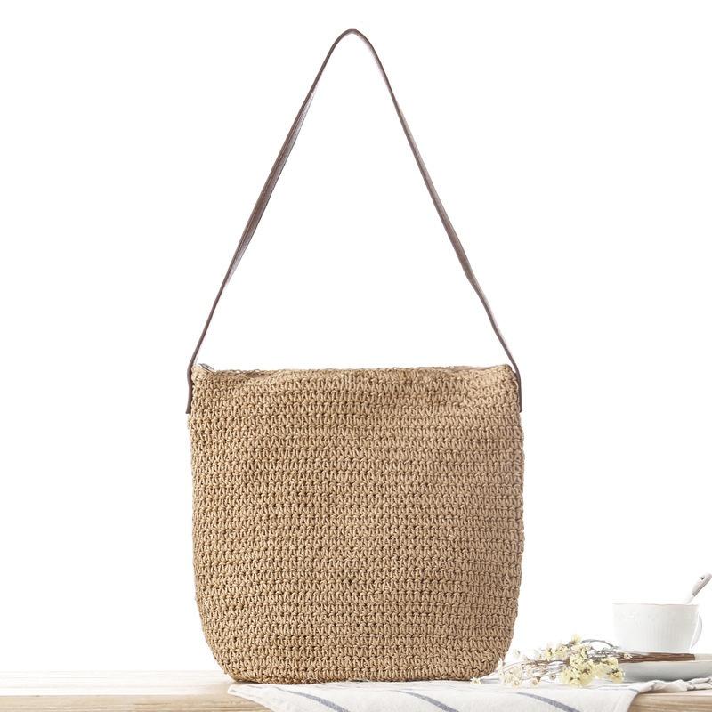 やわらかい表面のライトブラウンのワンショルダー織り紙織りカジュアルバッグ