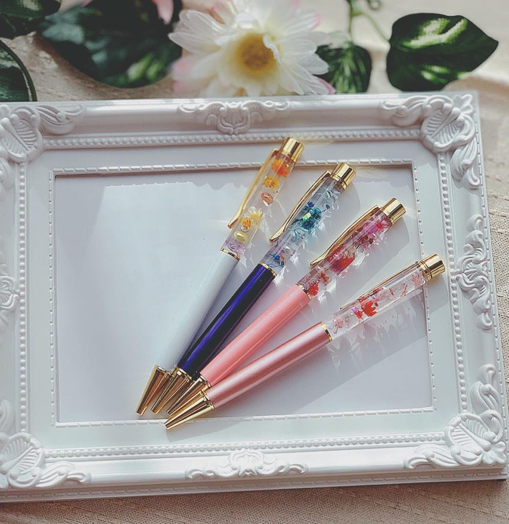 お花のハーバリウムボールペン