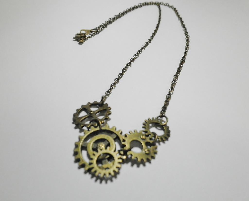 歯車ネックレス