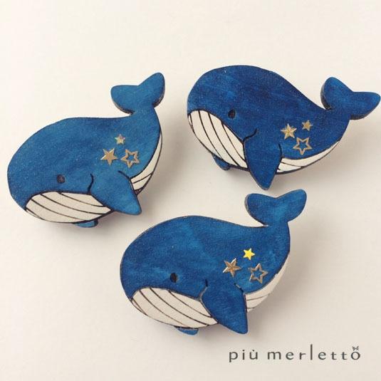 星空クジラのブローチ