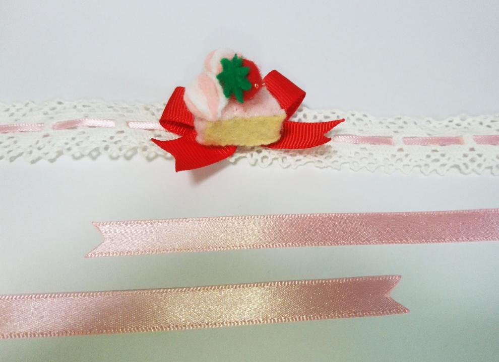 小さな苺ケーキのチョーカー(送料無料)