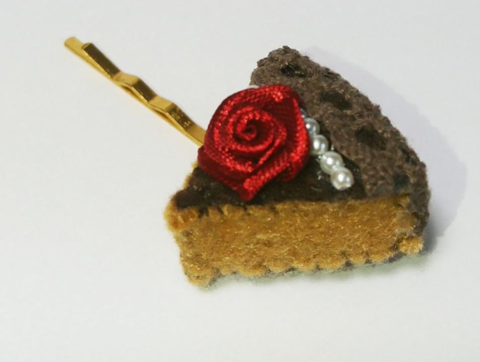 赤薔薇のチョコレートケーキ