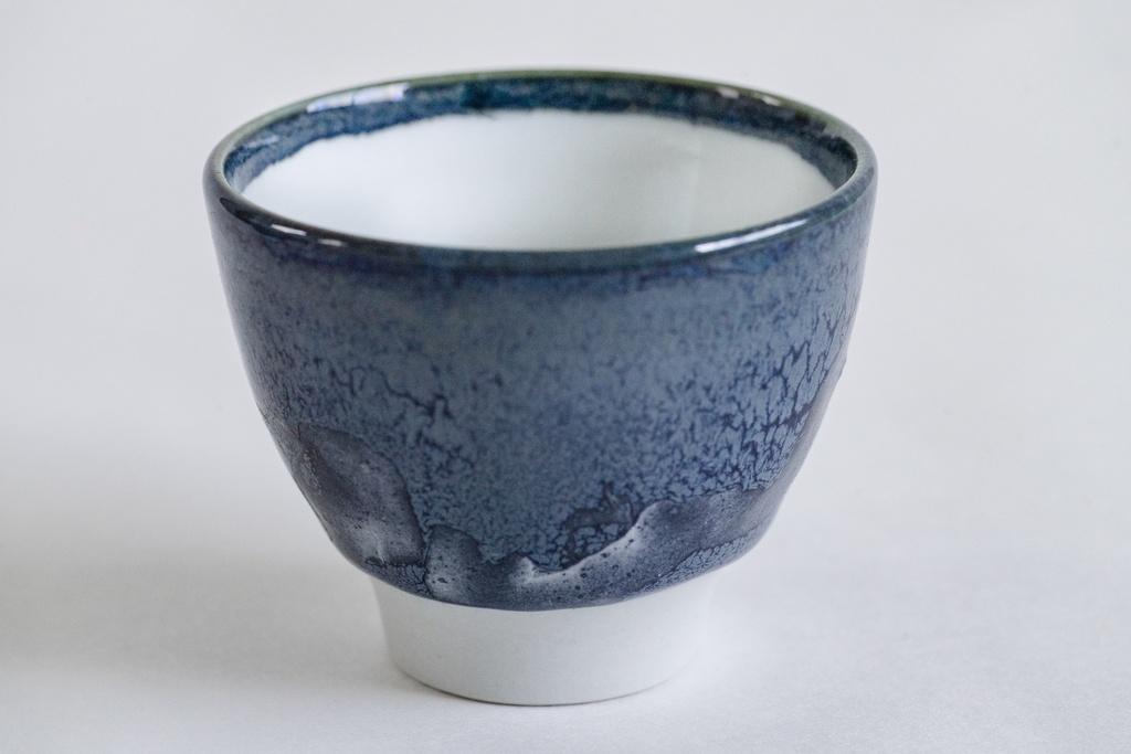【陶芸作品】瑠璃猪口