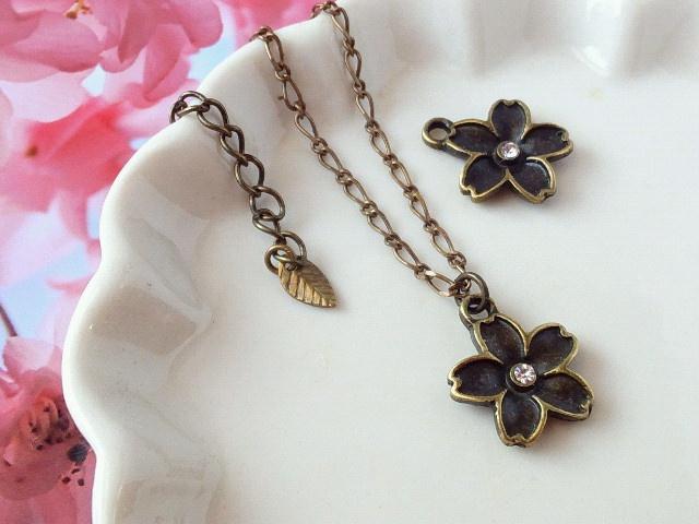 ラインストーン桜のドール用ネックレス