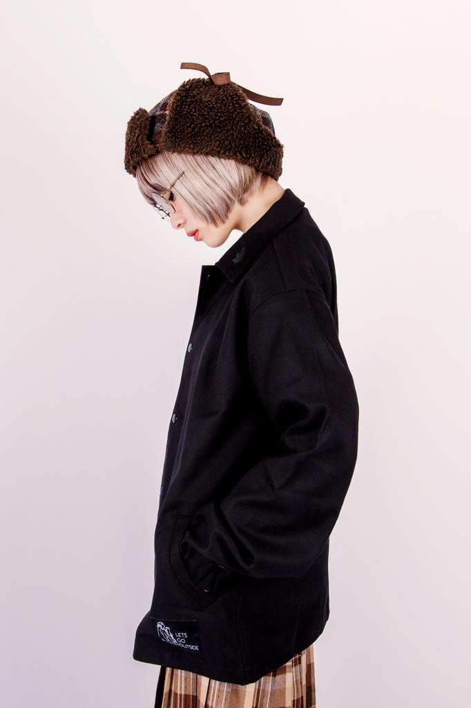 シロクマコーチジャケット