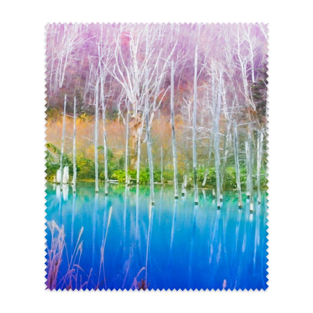メガネ拭き—白樺の紅葉と青い湖面4
