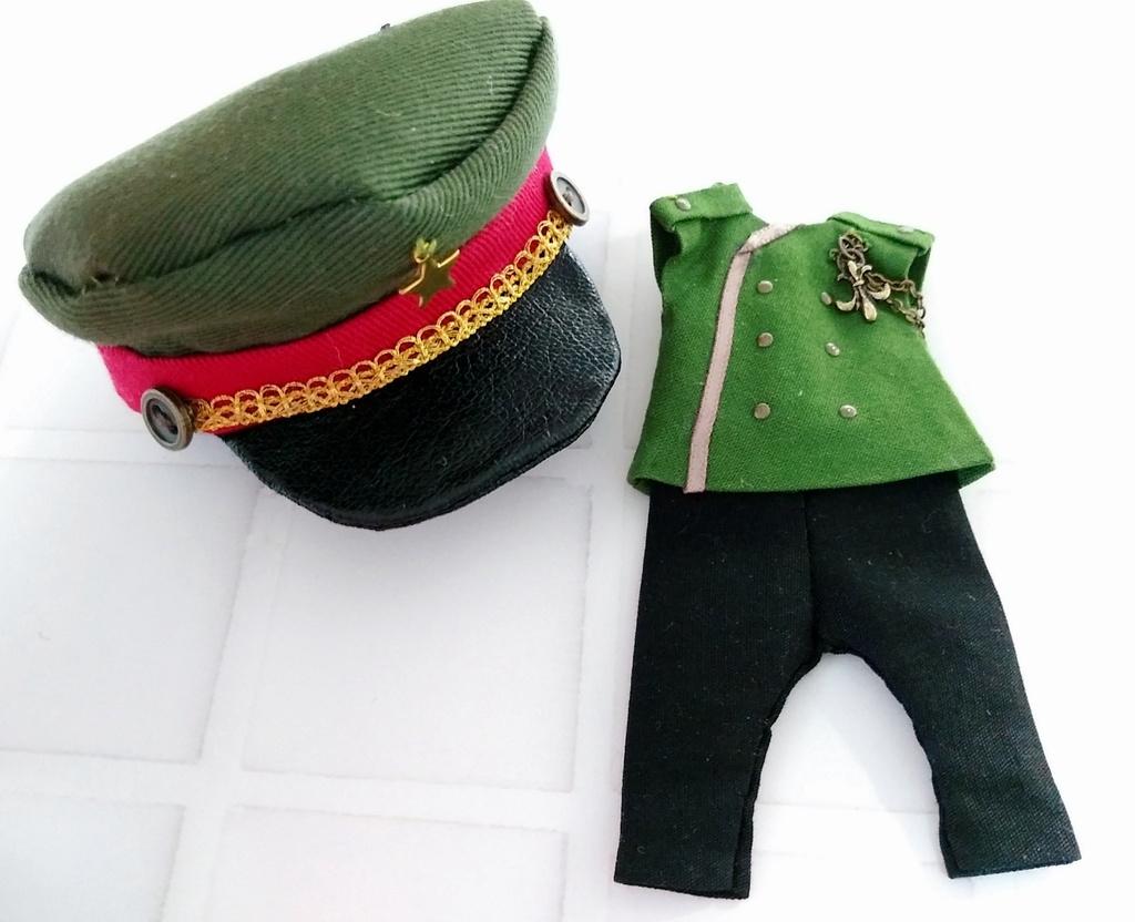 軍服セット (カーキ)