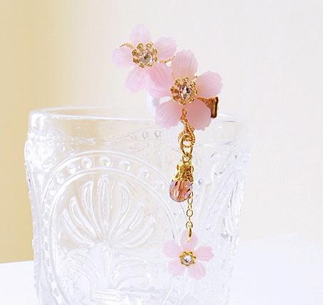 桜のイヤーカフ