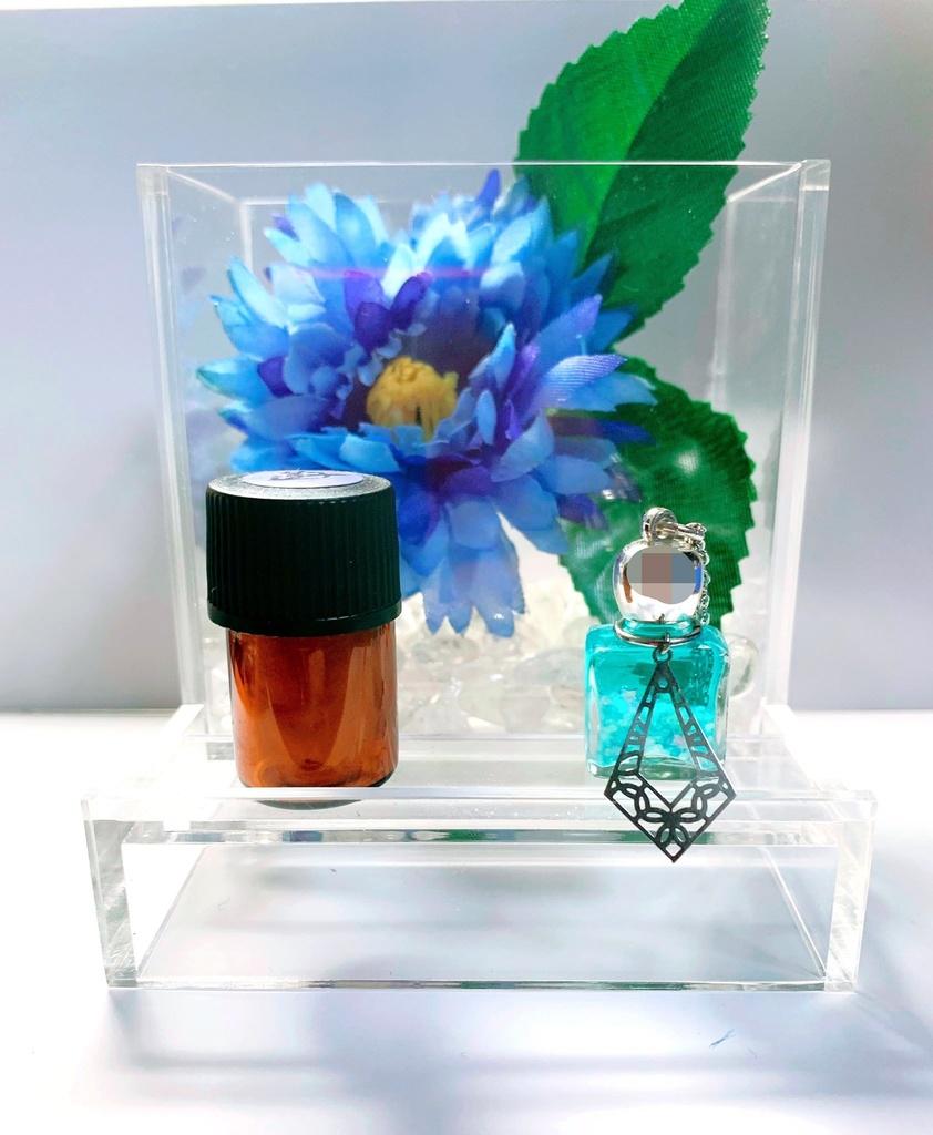 蓮子の香水瓶