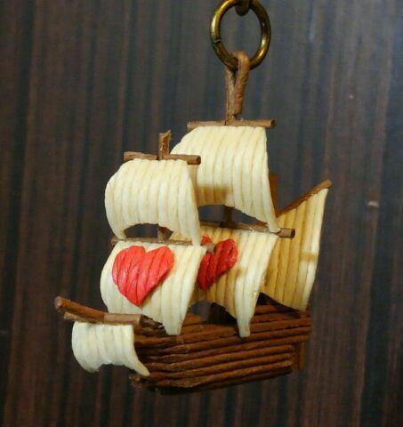 紙バンド製 ミニチュア帆船 チャーム