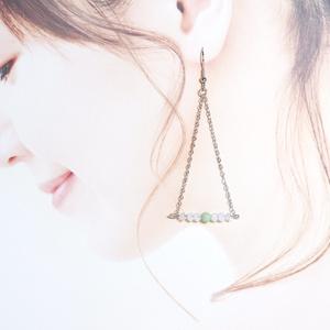 【1点のみ】翡翠のさんかくピアス〔OR11〕
