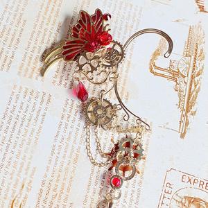 薔薇を飛び交う蝶のイヤーカフフック