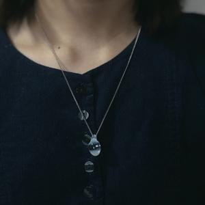 ガラスのネックレス