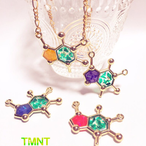 TMNTガイズ分子構造ネックレス
