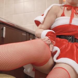 【B102cm×美尻】驚異の美尻サンタ【elly】