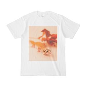 やさしいほほえみヤモリのTシャツ(ホワイト)
