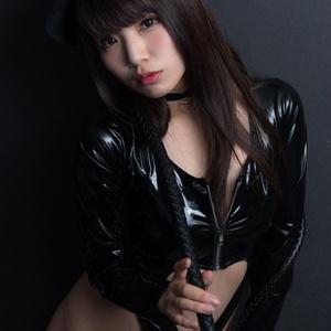 Black to seduce