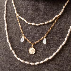 鶴丸イメージの三連ネックレス