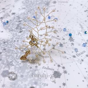 幻想の森植物標本・緑月のオキザリス・イヤーカフ