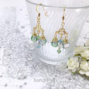 シンデレラ・緑青色のシャンデリア・耳飾り
