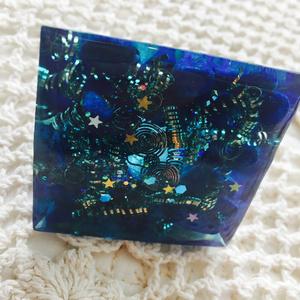 オルゴナイト ピラミッド《ブルー》1