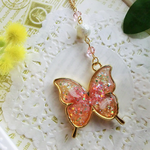love butterflyネックレス