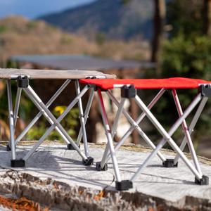 折りたたみアウトドアテーブル(レッド)