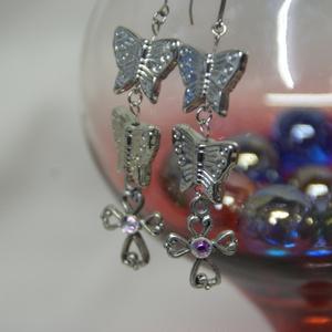 蝶とクロスピアス