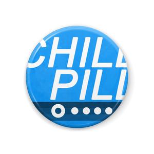 こよりちゃんバッチ『CHILL PILL』44mm