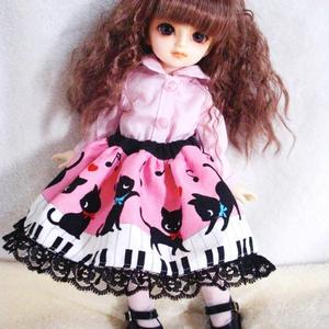 【last1を委託中】 30センチ級ドール向けスカート ピアノと猫のスカート