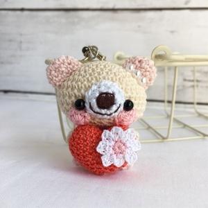 【受注生産】赤色ハート・生成り×淡ピンク色クマ*鈴付きイヤホンジャックストラップ