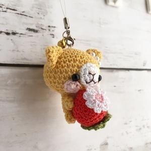 【受注生産】赤イチゴ・濃黄色ネコさん*鈴付きイヤホンジャックストラップ