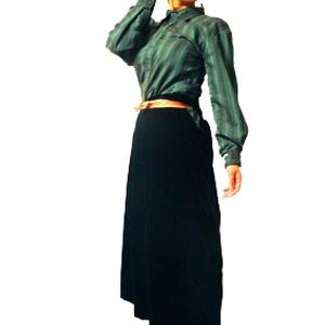 才色ウルフ【ベルベット生地】【袴形パンツ】