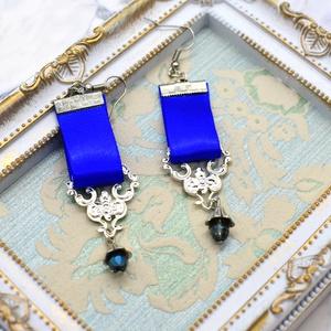 青い騎士のピアス
