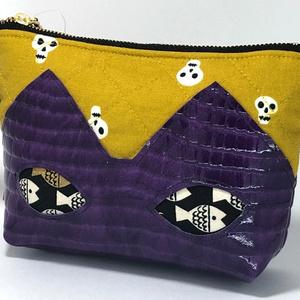 ネコポーチ(紫とドクロ)