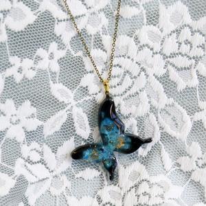 新宿のアーチャー 蝶ペンダント