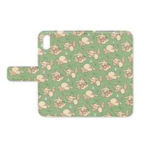 おなかいっぱいのきのみ手帳型iPhoneケース(ベルト・ストラップ穴あり)