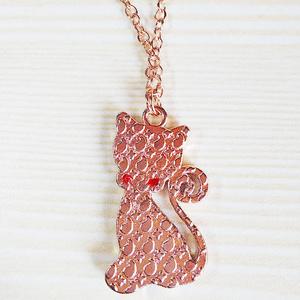 ハンドメイド レジンアクセサリー 黒猫のネックレス(ピンクゴールド)