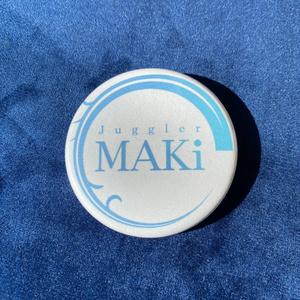 MAKiロゴ缶バッチ ホワイト