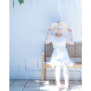 写真集「- WHITE -」