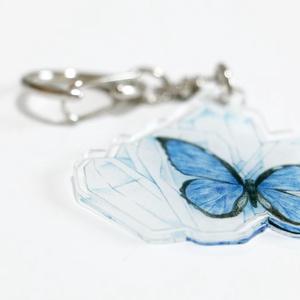 【オリジナル】Blue blue 蝶々のアクリルキーホルダー