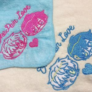 ジョージとエィスの刺繍ハンカチ