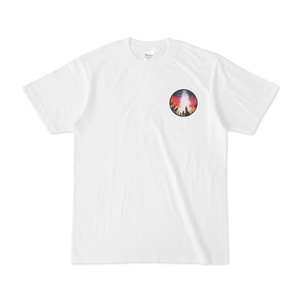 赤い夜空のワンポイントTシャツ