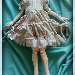 球体関節人形『眠り目の少女』